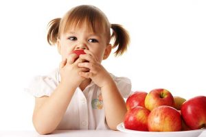 Eating Apple To Get Rid Of Acne Naturally