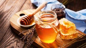 Why You Should Use Honey To Get Rid Of Acne Scars And Dark Spots