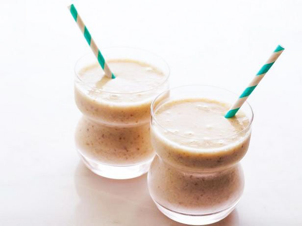 Dietary Smoothie With A Banana