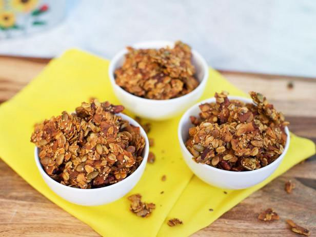 Low Carb Baked Oatmeal Granola