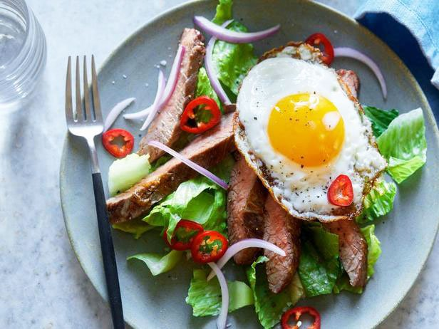 Salad With Steak And Egg