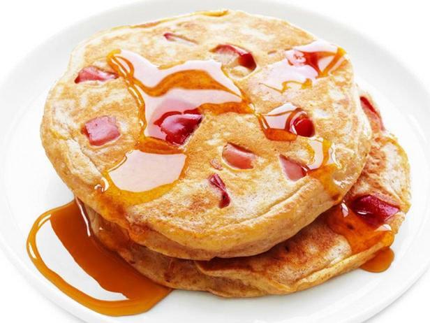 Wholegrain Pancakes With Apples