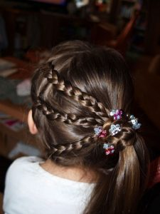 hairstyle for girl