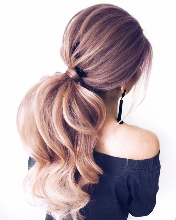 Hairstyles For Graduation Pictures: Beautiful Ideas With Photos