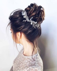 Hairstyles for prom for medium hair 2019-2020 photo 8