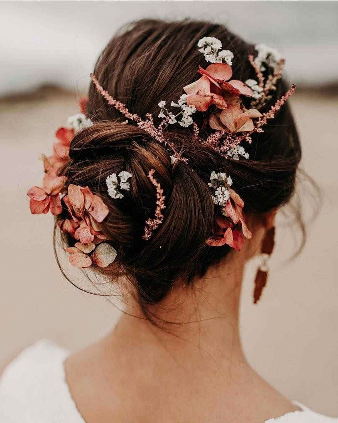 Hairstyles for prom for medium hair 2019-2020 photo 13