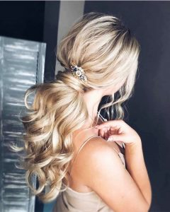 Hairstyles For Prom On Long Hair 2019-2020: Photo 18