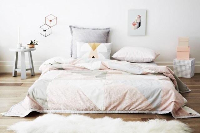 Scandinavian-style-bedroom-bed-frameless