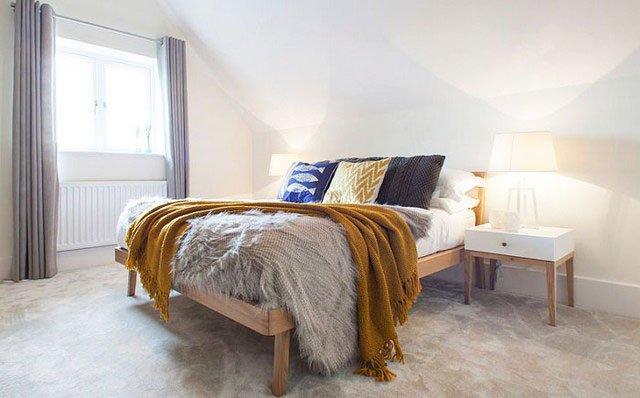 Scandinavian-style-bedroom-bed-photo