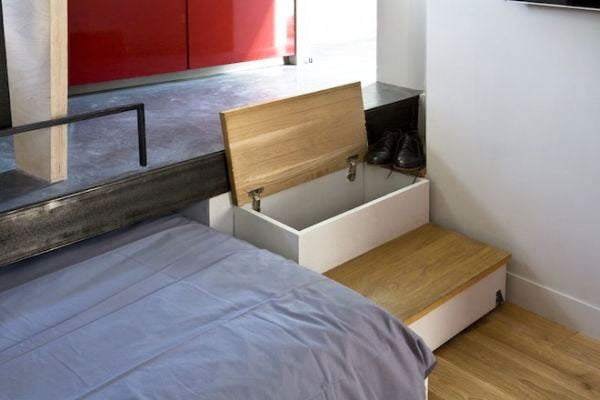 Storage-compartments-under-the-steps