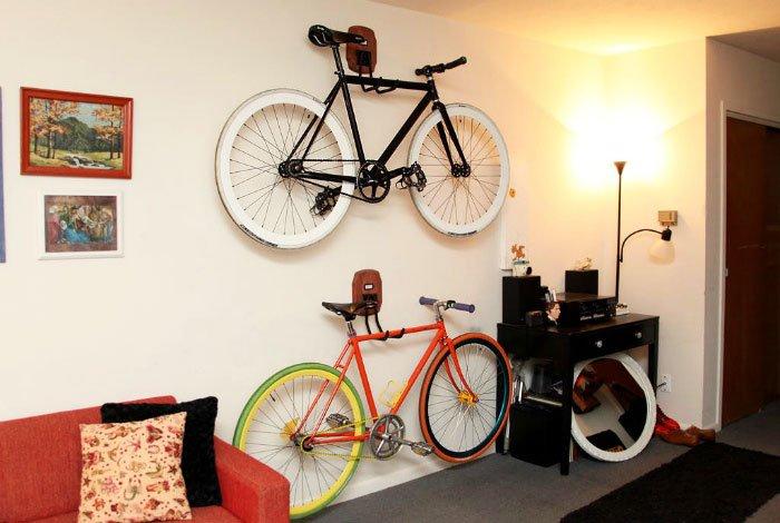Bicycle fastening
