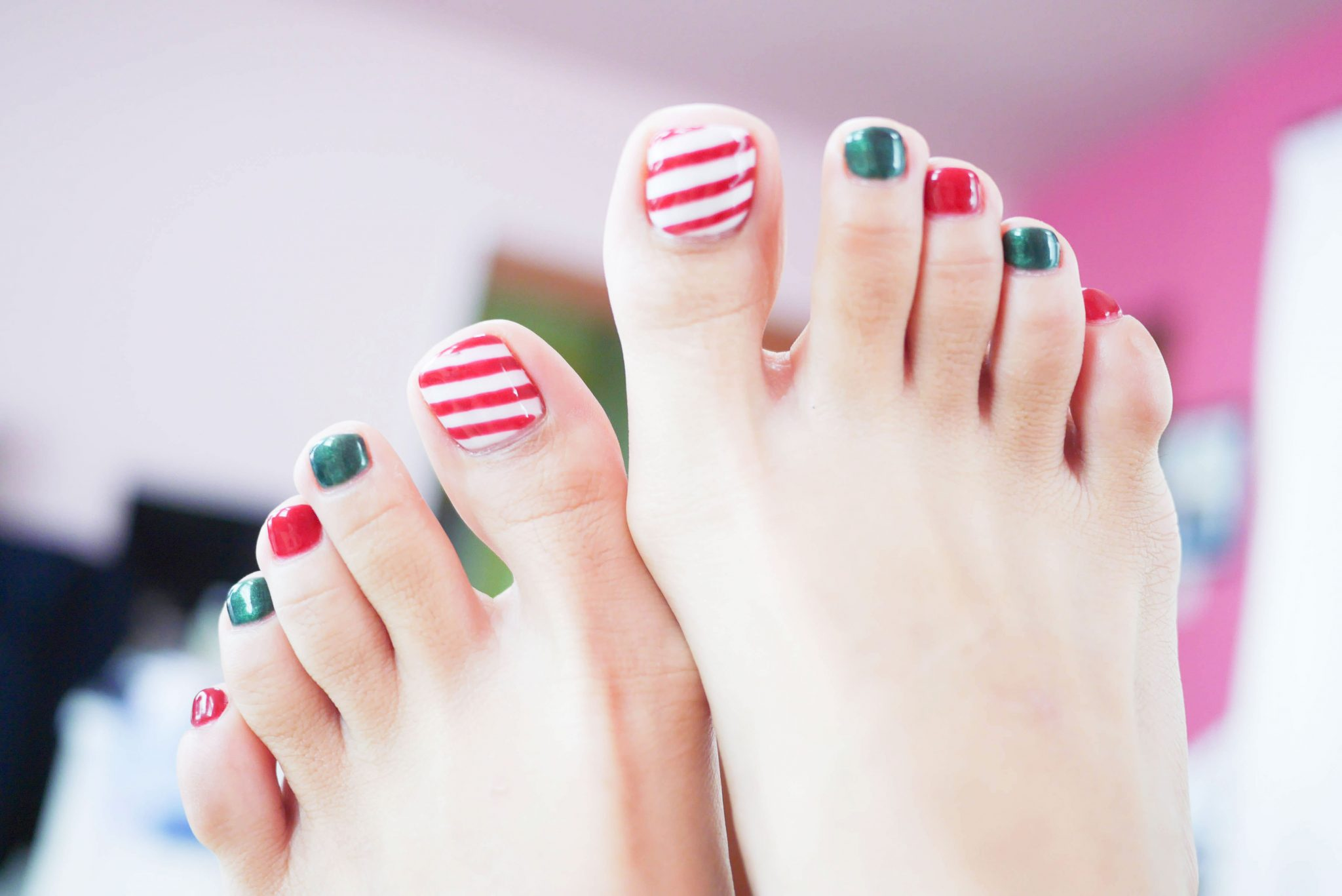 Wedding-Nail-Design-for-foot