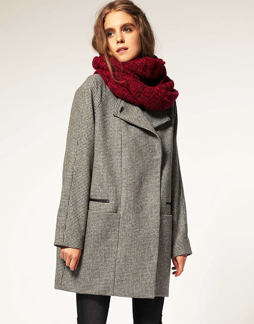 You can safely choose the right scarf for you, regardless of the existing trends.