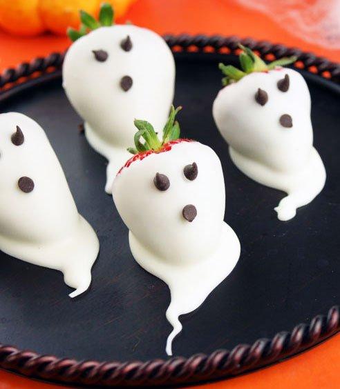 Dessert For Halloween: Strawberry Ghosts