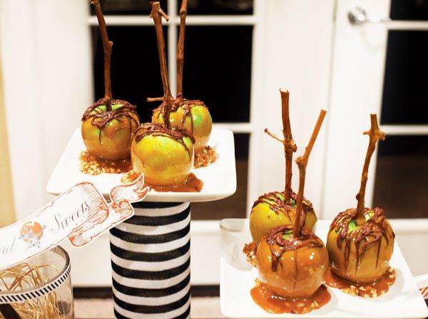 Dessert For Halloween: Caramel Apples