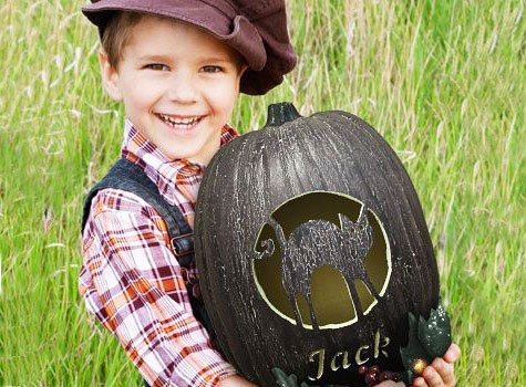 Preparing for Halloween pumpkin, it is not necessary to limit your imagination in the way of unrepentant Jack - the propane, and his lantern