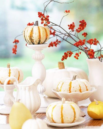 Still, it can be used in many ways - cut figures, paint, small pumpkins can decorate the table, hang garlands, etc.