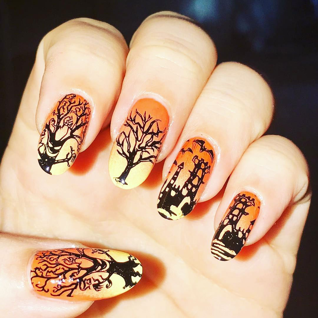 amazing hollween nail art design