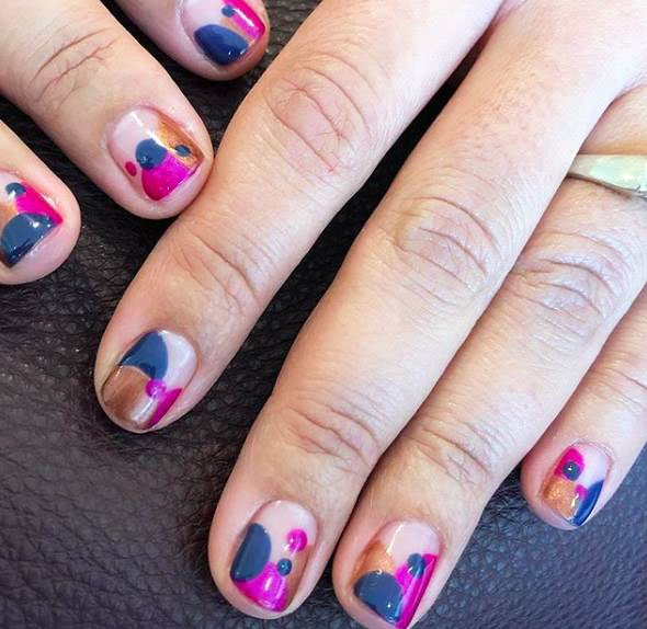 how to decorate gel nails