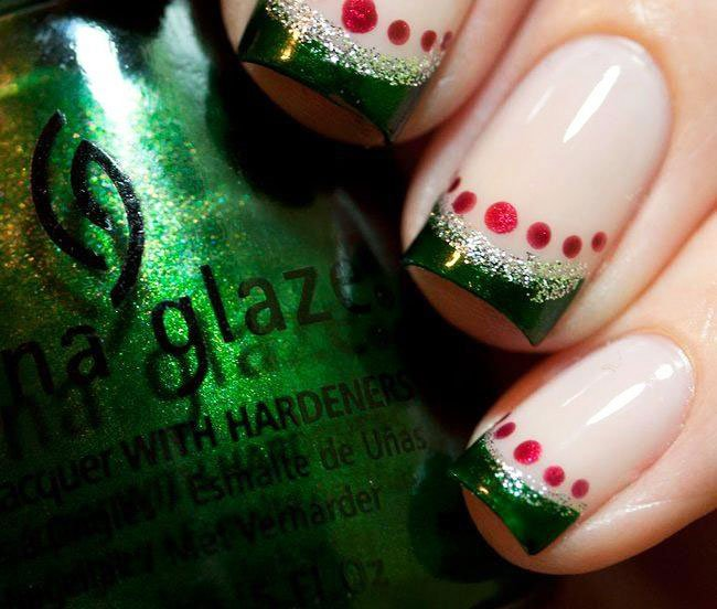 41 Easy Christmas Nail Art Designs 1