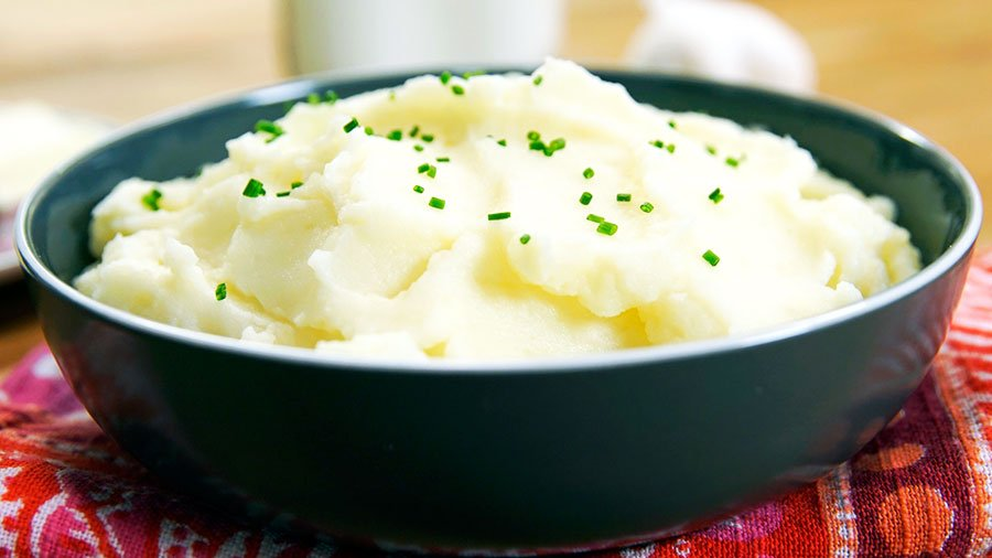 Creamy mashed Potatoes - Thanksgiving Vegetable Side Dishes