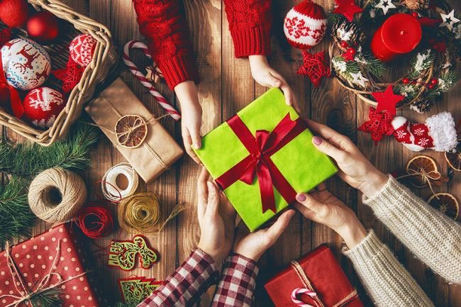 Delicious-Sweet-Tooth-Christmas-Gifts-For-Boyfriend