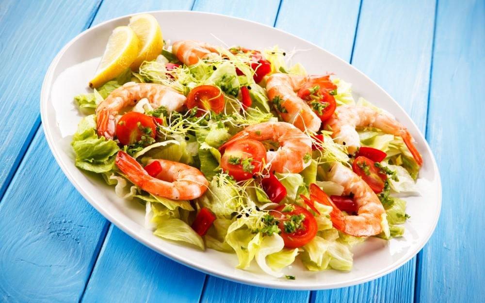 Dietary Salad With Shrimp - christmas side salad
