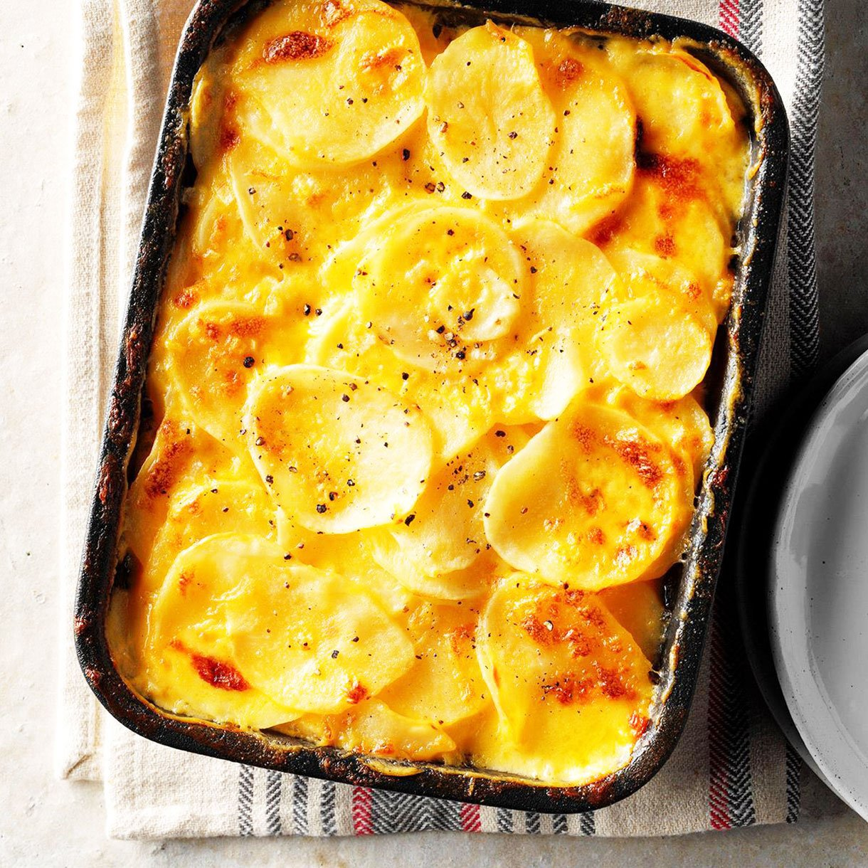 Simple potato gratin -Traditional-Thanksgiving-Side-Dishes