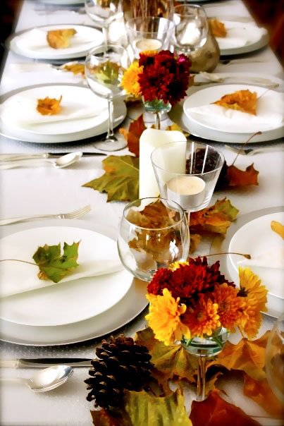 decorating a dinner table for thanksgiving - thanksgiving dinner table ideas