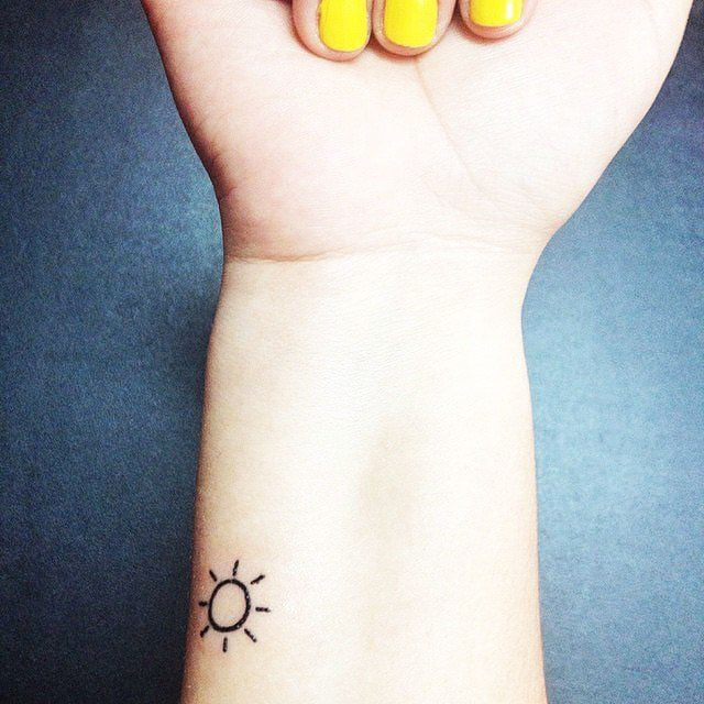 Examples of beautiful little tattoos for girls on the wrist - 37 Small Delicate Female Tattoos Ideas