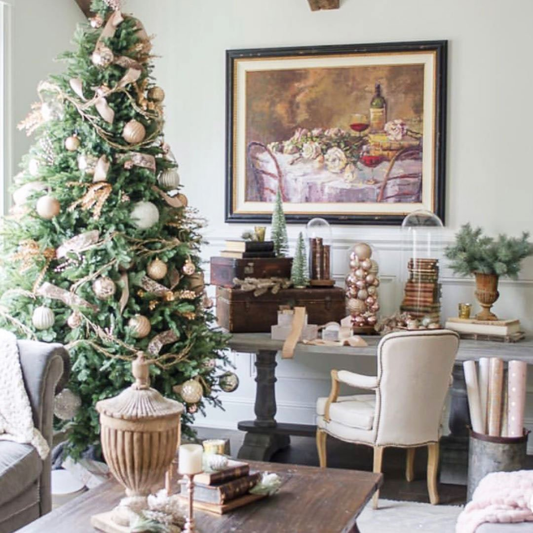 49 Simple Christmas Tree Decorating Ideas 1