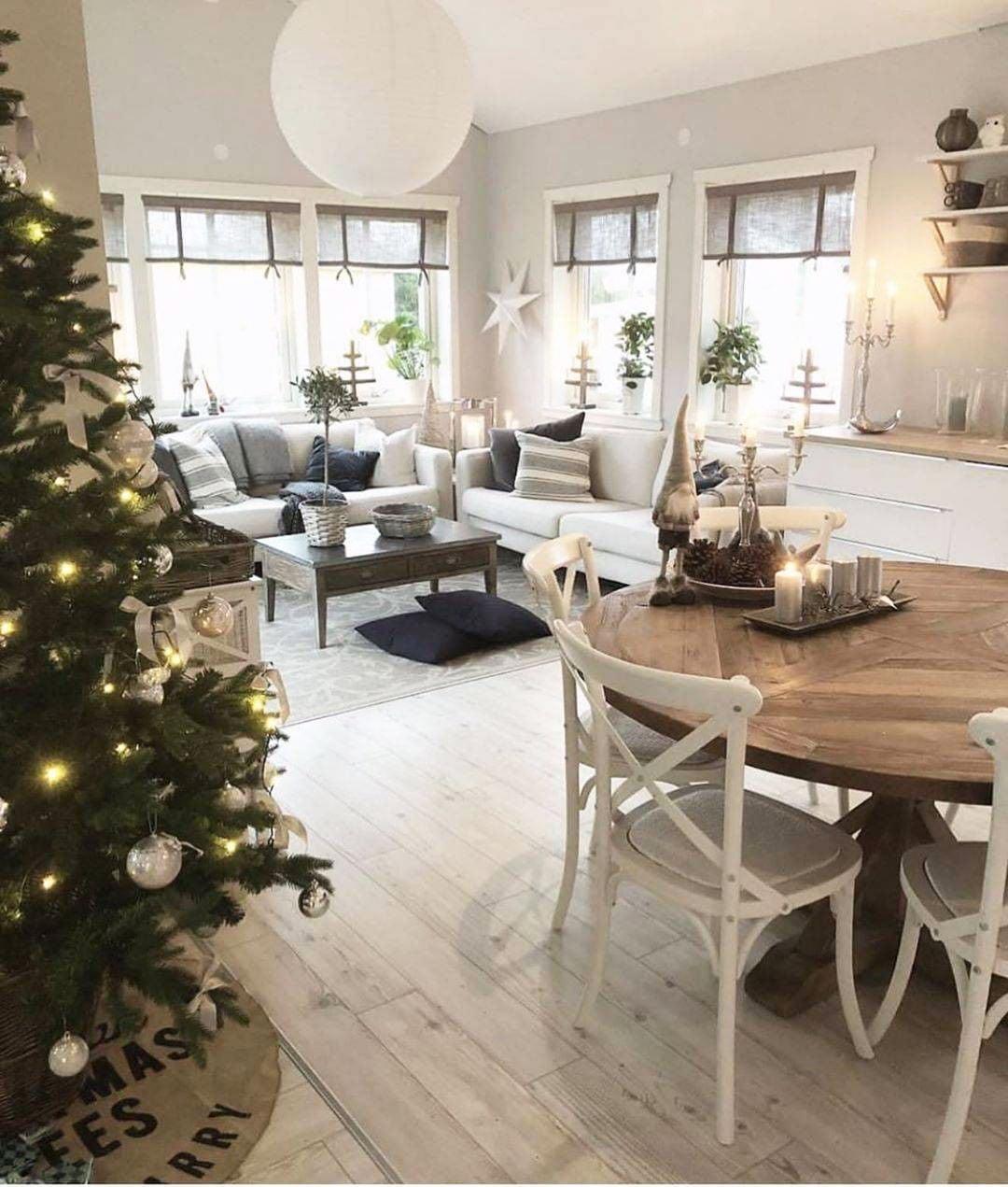 49 Simple Christmas Tree Decorating Ideas 3