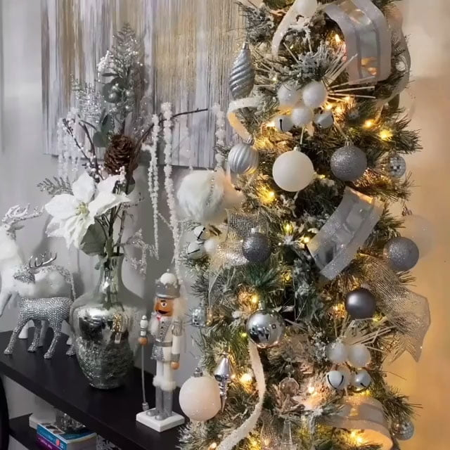 49 Simple Christmas Tree Decorating Ideas 5