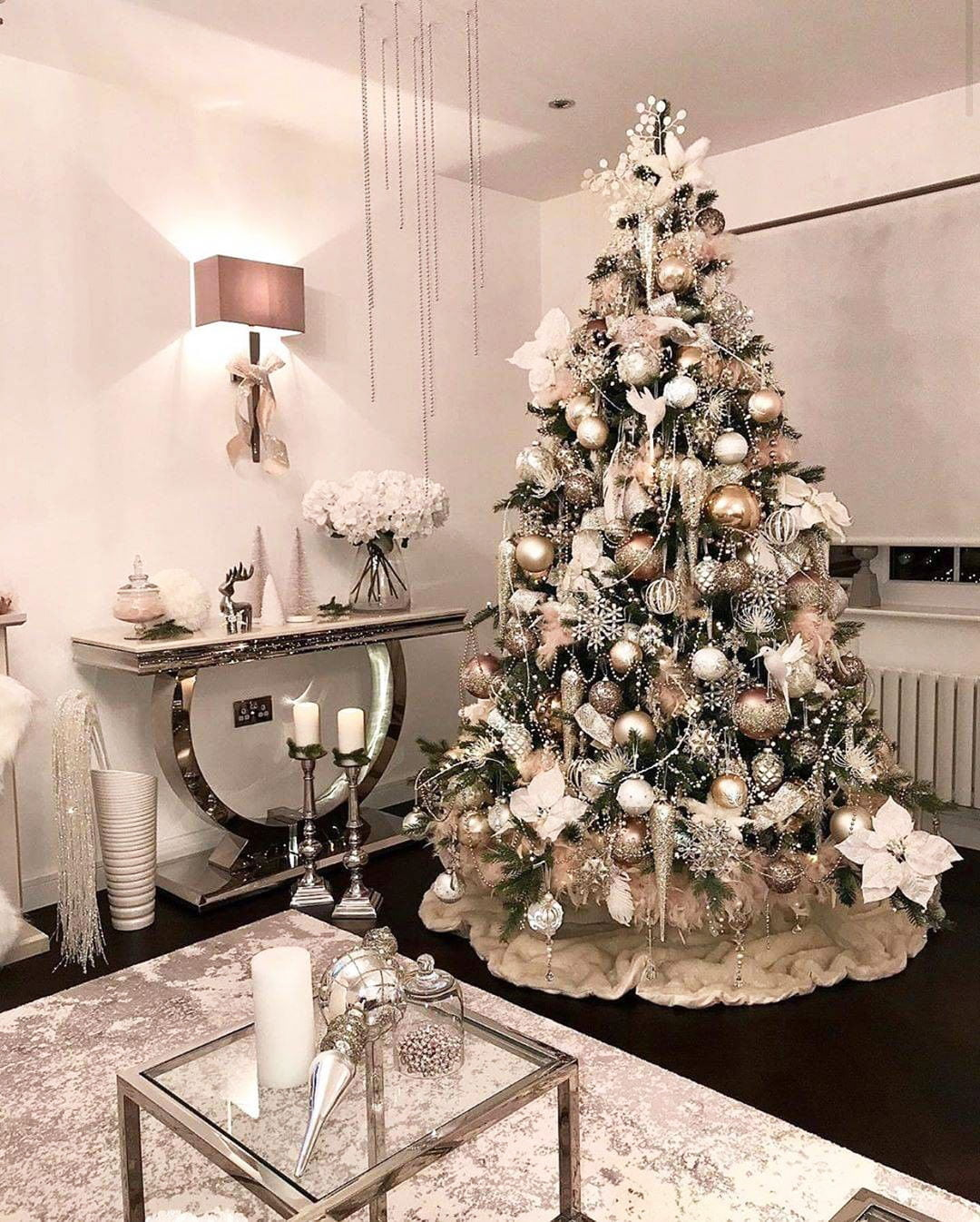49 Simple Christmas Tree Decorating Ideas 8