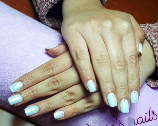 simple rhinestone nails
