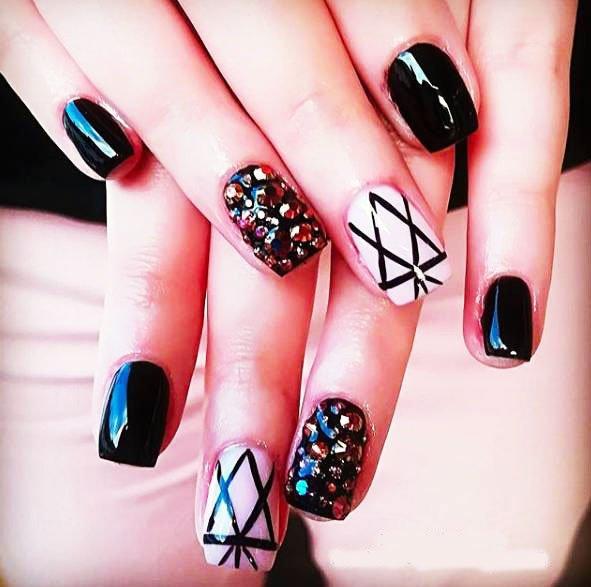 45 Best Simple Rhinestone Nails Ideas