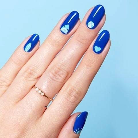 bright blue nails