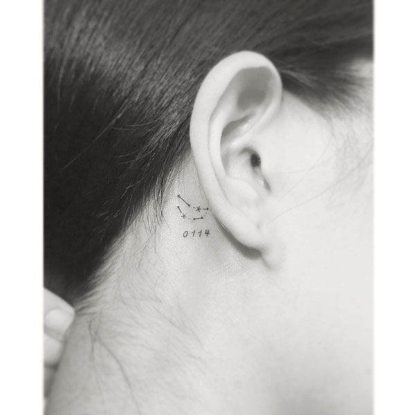 41 Unique Minimalist Tattoos Designs For Women - Space Theme