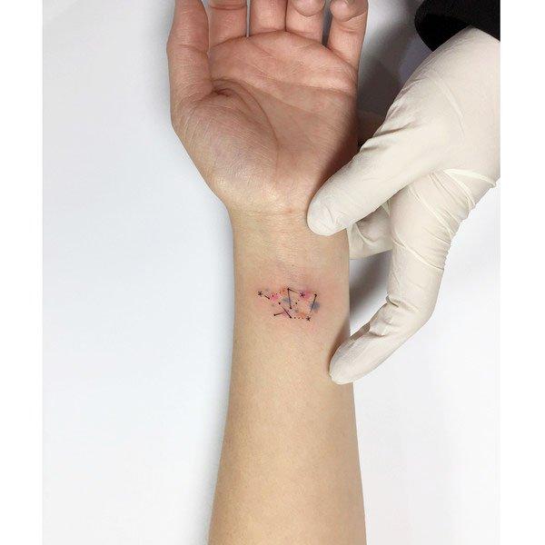 41 Unique Minimalist Tattoos Designs For Women